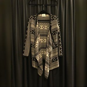 Tribal Print Open Front Sweater - M
